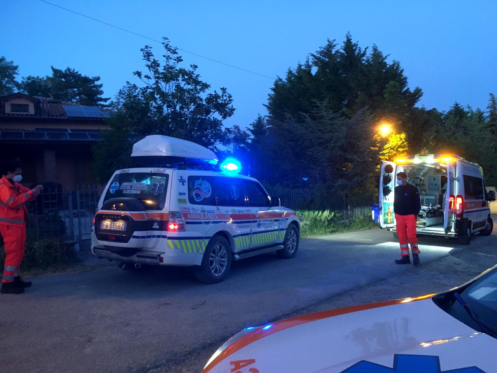 ambulanza-notte-croce-azzurra-traversetolo-incidente-2