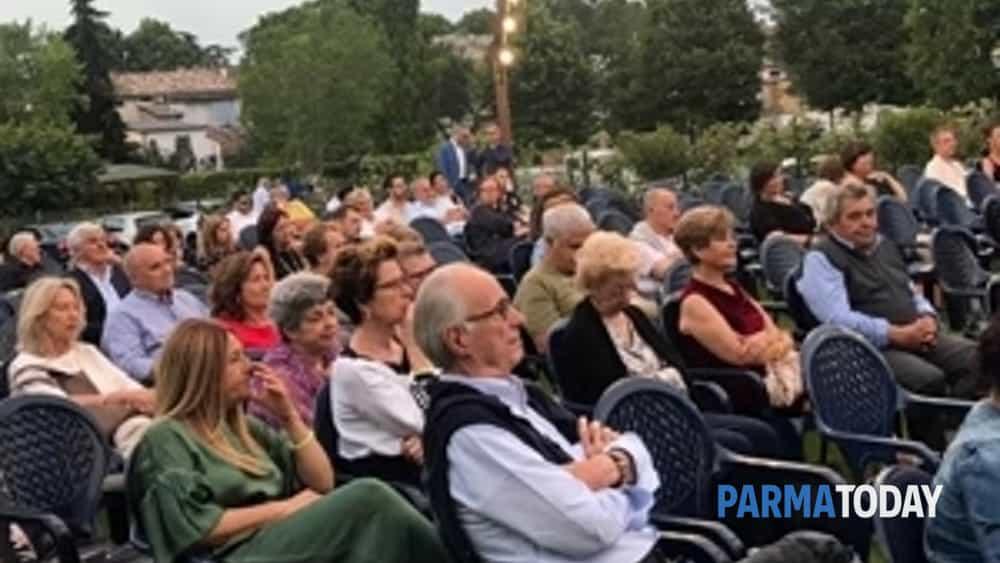 """grande successo della """"serata sotto le stelle, tra arte e gusto"""" organizzata dall'associazione culturale forza civica-3"""