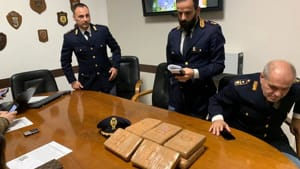 polizia-squadra-mobile-droga-cocaina-3