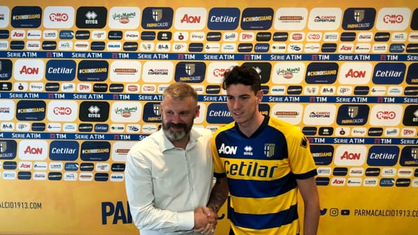 Alessandro Bastoni con Pietro Pizzarotti - foto parmatoday.it