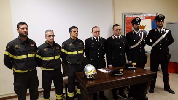 foto-carabinieri-vigili-del-fuoco-2