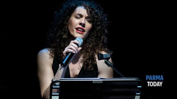 Tango y mujeres: il tango suonato, recitato, cantato