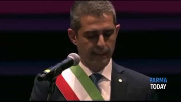VIDEO - Pizzarotti si commuove durante il discorso di Sant'Ilario