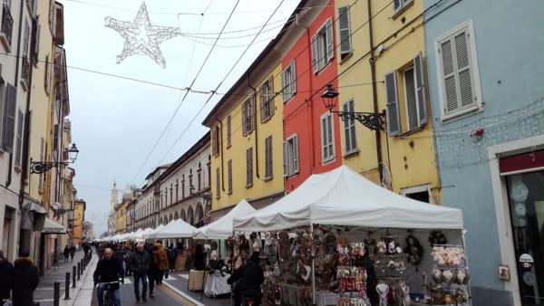 Ecco i mercatini di Natale in via d'Azeglio