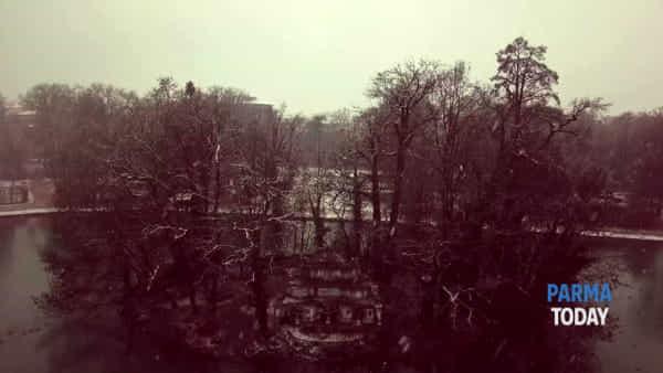 VIDEO - Neve al Parco Ducale: le immagini dal drone