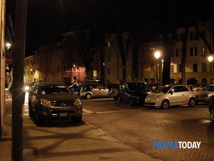 Parcheggi-selvaggi-piazzale-inzani-7